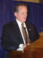 President Marc Maurer delivers the 2005 Presidential Report.